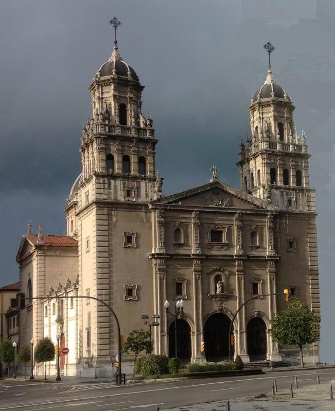 Iglesia de día